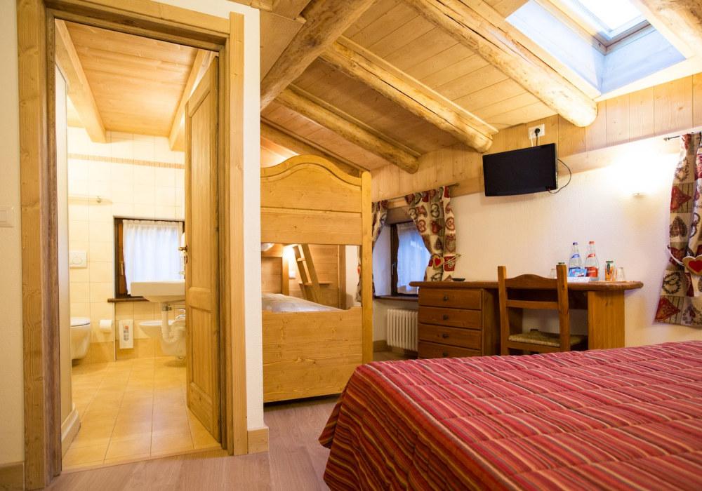 Hotel La Barme chambre familiale